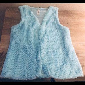 💠 Girls Light Blue Faux Fur Vest 💠
